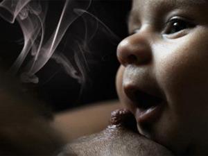 Курение и кормление грудью несовместимы!