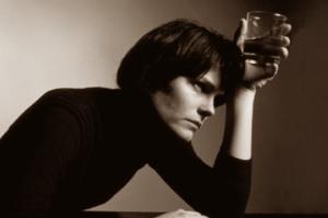 Женский алкоголизм - проблема общества