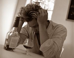 Почему болит голова во время похмелья?